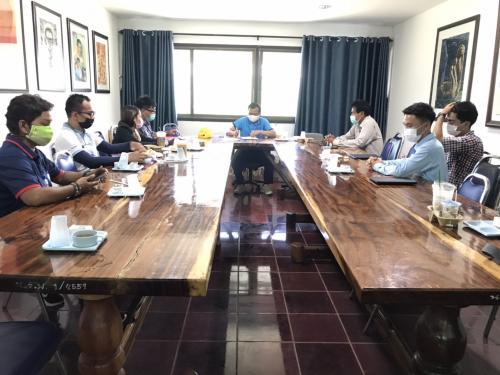 ประชุมคณะกรรมการควบคุมงาน และตรวจรับพัสดุ งานก่อสร้างโครงการปรับสภาพสนามกีฬา ตำบลนางรอง อำเภอนางรอง จังหวัดบุรีรัมย์ 1 แห่ง ครั้งที่ 1/2564
