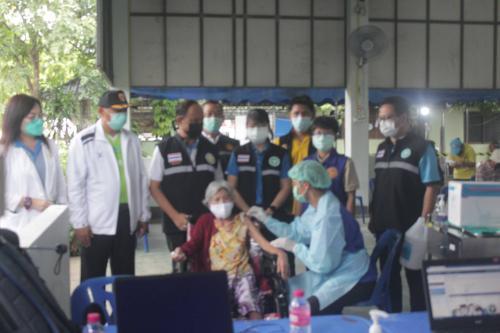 กิจกรรม สันติสุขพร้อมใจ ฉีดวัคซีนต้านโควิค