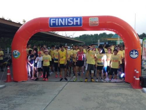 """กิจกรรมวิ่งเพื่อการท่องเที่ยว """"SAMUTSONGKHRAM HEALTHY RUN""""  เปิดเส้นทางวิ่งเพื่อการท่องเที่ยวเส้นทางใหม่ ณ ดอนหอยหลอด"""