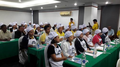 กิจกรรมฝึกอบรมพัฒนาบุคลากรด้านการให้บริการร้านอาหารและโรงแรม รุ่นที่ 1
